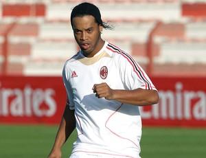 Ronaldinho Gaúcho no treino do Milan em Dubai
