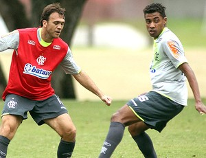 Petkovic e Kleberson no treino do Flamengo