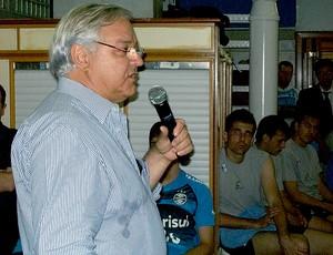 Paulo Odone durante a reapresentação do Grêmio (Foto: Eduardo Cecconi / GLOBOESPORTE.COM)