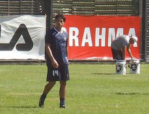 Fahel no treino do Botafogo (Foto: Gustavo Rotstein / GLOBOESPORTE.COM)