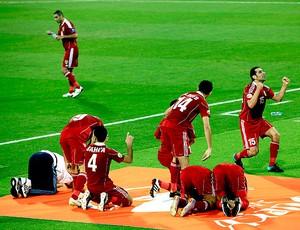 jogadores da Jordânia comemoram gol contra o Japão