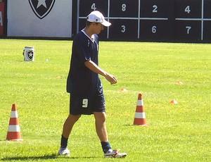 Marcelo Mattos no treino do Botafogo