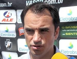 Rodrigo Caetano durante entrevista do Vasco