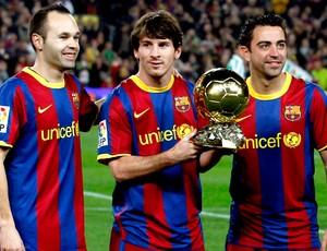 iniesta messi xavi bola de ouro camp nou barcelona (Foto: agência Reuters)