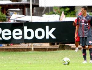 marquinhos internacional B treino (Foto: Lucas Uebel / Vipcomm)