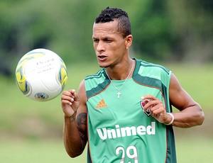 Souza no treino do Fluminense