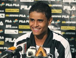 Everton apresentado no Botafogo