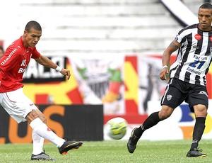 Marquinhos na partida do Internacional contra o Santa Cruz (Foto: Lucas Uebel / VIPCOMM)