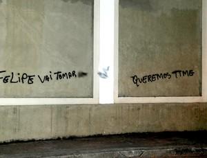 muro pichado vasco são januário (Foto: André Durão / Globoesporte.com)