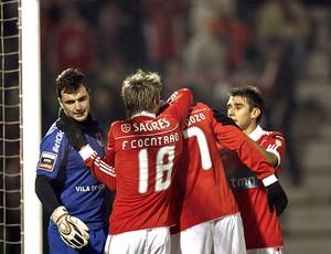 jogadores do Benfica comemora gol contra o Rio Ave
