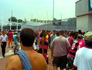 fila de torcedores do Flamengo para comprar ingressos