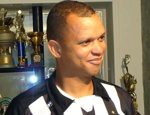 Warley no Treze-PB (Foto: Divulgação / Site Oficial)