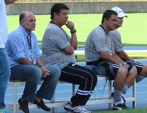 Mauricio Assumpção e Joel Santana treino do Botafogo (Foto: Gustavo Rotstein/Globoesporte.com)