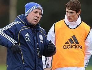 Torres e Ancelotti do Chelsea (Foto: Site Oficial)