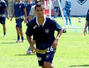 Everton no treino do Botafogo (Foto: Gustavo Rotstein / GLOBOESPORTE.COM)