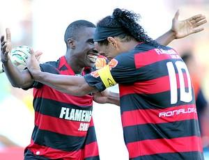 Negueba Ronaldinho gol Flamengo (Foto: VIPCOMM)