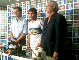 Marcelo Canete apresentado no Universidad Católica - Guia da Libertadores (Foto: Divulgação / Site Oficial)