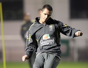 Renato Augusto treino Seleção (Foto: Mowa Press)