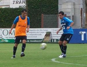 escudero treino grêmio (Foto: Eduardo Cecconi/Globoesporte.com)