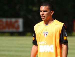 Edson Ratinho, lateral direito do São Paulo (Foto: Luiz Pires / VIPCOMM)