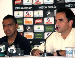 Leandro e Rodrigo Caetano na apresentação no Vasco (Foto: Fred Huber / GLOBOESPORTE.COM)