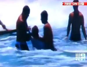 FRAME Surfe Sunny Garcia Jeremy Flores briga Austrália (Foto: Reprodução)