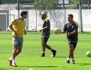 Ganso no treino com bola (Foto: Adilson Barros / GLOBOESPORTE.COM)
