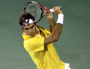 Roger Federer tênis Dubai oitavas (Foto: AP)