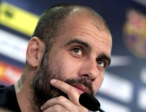 Pep Guardiola na coletiva do Barcelona (Foto: EFE)