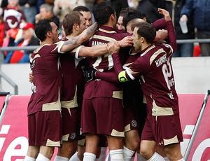 jogadores do hannover gol bayern de munique (Foto: agência Reuters)