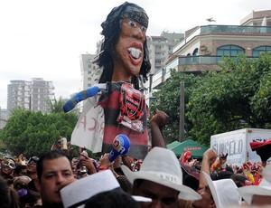 Ronaldinho Gaúcho bloco boneco (Foto: André Durão/Globoesporte.com)