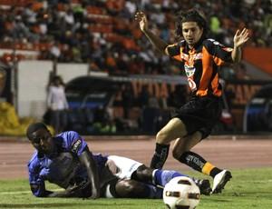Jaguares 2 x 1 Emelec, pela Libertadores 2011 (Foto: EFE)