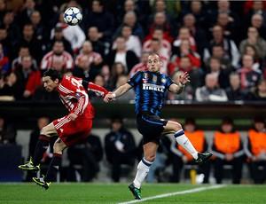 internazionale x bayer de munique  Sneijder pranjic (Foto: Reuters)