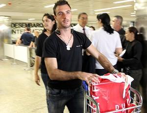 max Shizuoka japão chega a São paulo (Foto: Robson Fernandjes / Agência Estado)