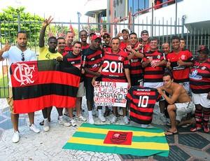 torcedores do Flamengo fazem protesto (Foto: Richard Fausto / GLOBOESPORTE.COM)