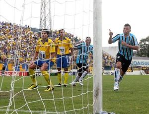 Rodolfo comemora gol do Grêmio (Foto: Wesley Santos / PressDigital)