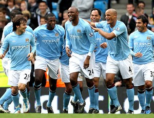 Patrick Viera gol manchester City (Foto: Getty Images)