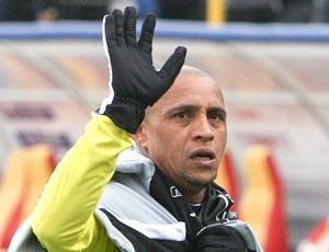 Roberto Carlos Anzhi Makhachkala (Foto: Reuters)