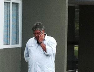 Geninho de saída do Atlético-PR (Foto: Luciano Balarotti-RPC TV)