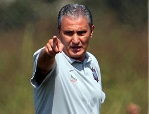 Tite no treino do Corinthians (Foto: Miguel Schincariol / Ag. Estado)