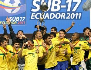 Brasil sub-17 comemora título Sul-Americano (Foto: AP)