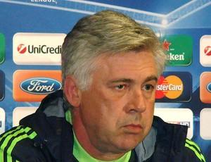 Carlo Ancelotti do Chelsea durante coletiva (Foto: Felipe Rocha / GLOBOESPORTE.COM)