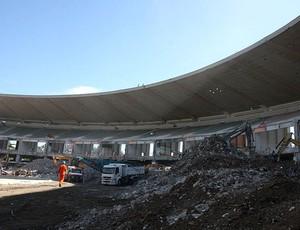 obras no Maracanã com demolição do anel inferior (Foto: Divulgação / Secretaria de Estado de Obras)
