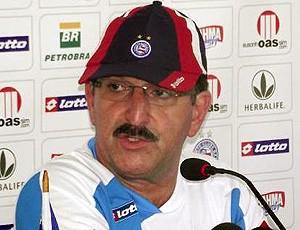 René Simões durante entrevista do Bahia (Foto: Divulgação / Site Oficial do Bahia)