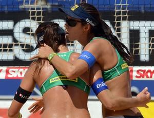 Talita e Maria Elisa (Foto: Divulgação / CBV)