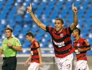 Wanderley comemora gol do Flamengo contra o Horizonte (Foto: Maurício Val / VIPCOMM)