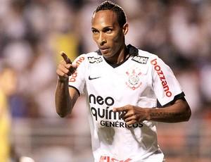 Liedson gol Corinthians (Foto: Ag. Estado)