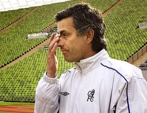 José Mourinho como técnico do Chelsea em 2005 (Foto: AFP)