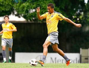Danilo no treino do Santos (Foto: Ricardo Saibun / Site Oficial do Santos)