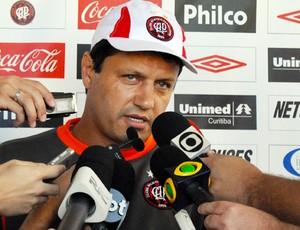 Adilson Batista (Foto: Divulgação/Atlético-PR)